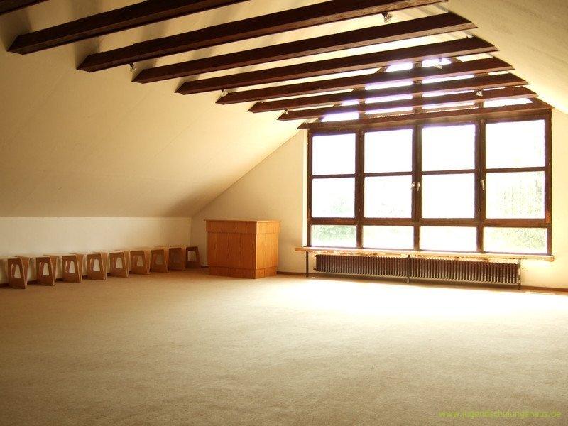 obergeschoss jugendschulungshaus karlstein. Black Bedroom Furniture Sets. Home Design Ideas